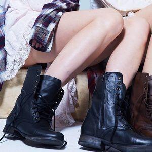 Steve Madden Black Troopa Boots 7.5